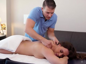 Tantalizing Sex Experienced With Ample Breasted Milf Chanel Preston