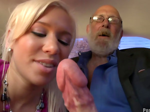 Slender Kacey Jordan is making a nice blowjob