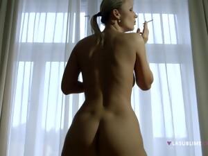 Home Alone Blonde Samantha Jolie Loves To Smoke While Masturbating