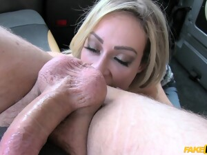 Big Fake Boobs Model Chessie Kay Loves To Have Her Pussy Plunged