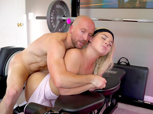 Sexy Ass Blonde Works The Big Dick In Flawless Scenes