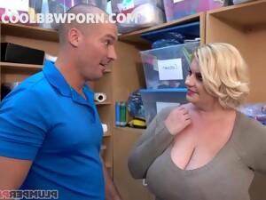 Big Beautiful Women Cougar Having Intercourse In WC