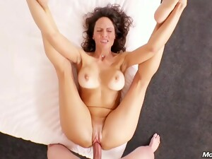 Orgasmic Married Mom Offers First Time Butt Fucking
