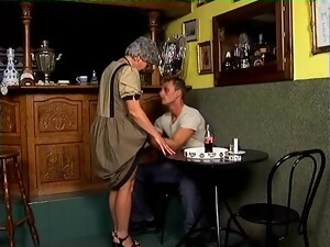 Ancient Babe Tina Gets Down On Her Fragile Knees To Give A Blowjob