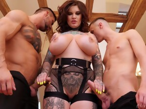 Fat Tattooed Wife Sabien DeMonia Fucked By Two Large Dicks