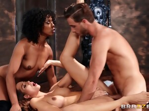 One Cock For Couple Of Bitches In 3some Orgy