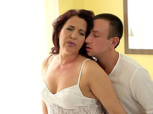 Granny That Looks Amazing Called Red Mary Gets Grabbed And Boned