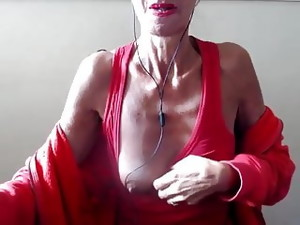 The Granny Pilar Play With Her Tits