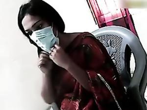 Chubby Pakistani mom flashes hairy pussy on camera